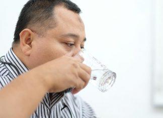 7 Feb MUKISI Alasan Mengapa Tidak Boleh Bernafas Saat Minum